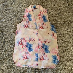 Floral VINCE CAMUTO top Sz Small